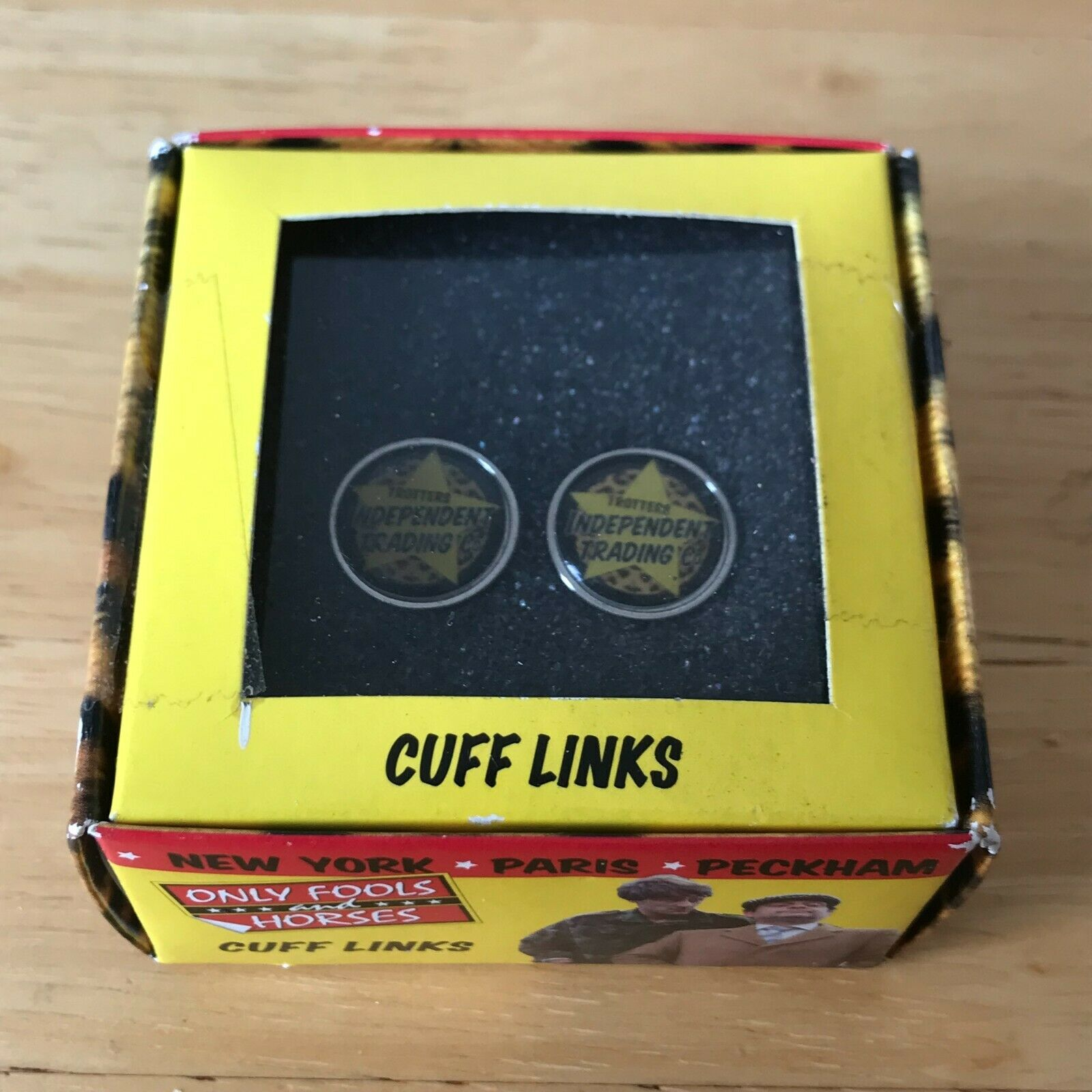 VINTAGE ONLY FOOLS AND HORSES CUFFLINKS NEW BOXED