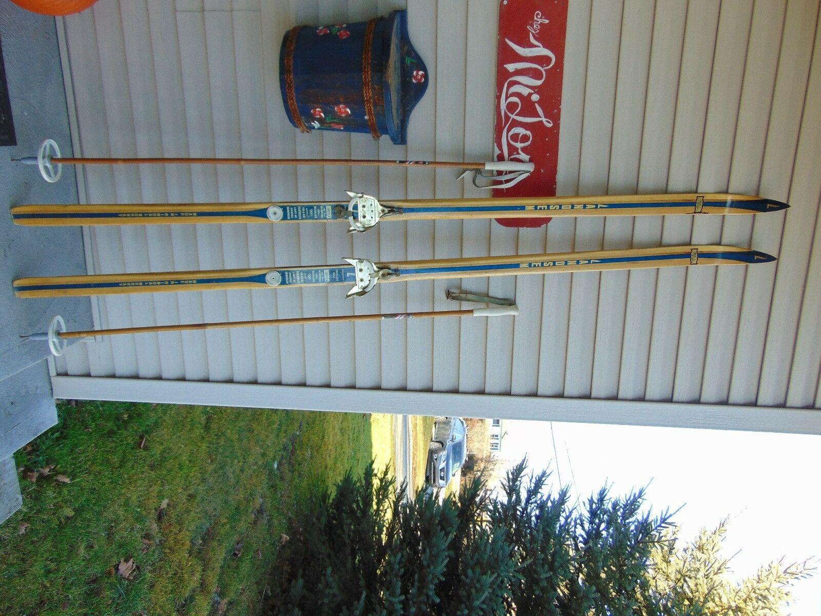 Vintage wooden skis   75   long   with pole nice       nice  for sale
