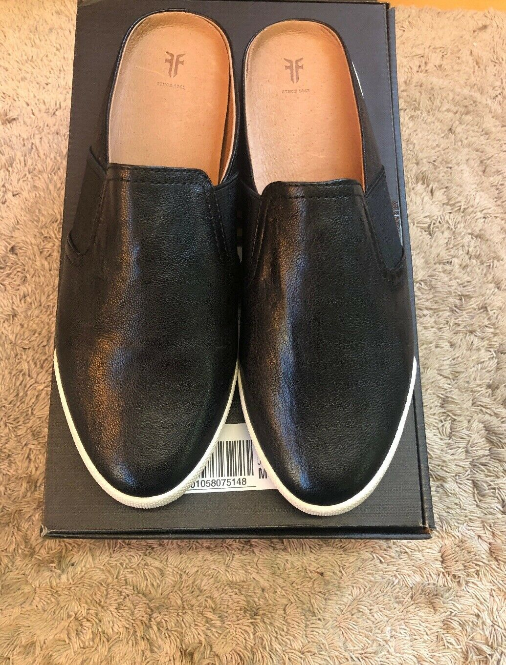 100% autentico Frye Donna Melanie Gore Mule scarpe nero Slides Dimensione Dimensione Dimensione 8.5 Leather  risposta prima volta