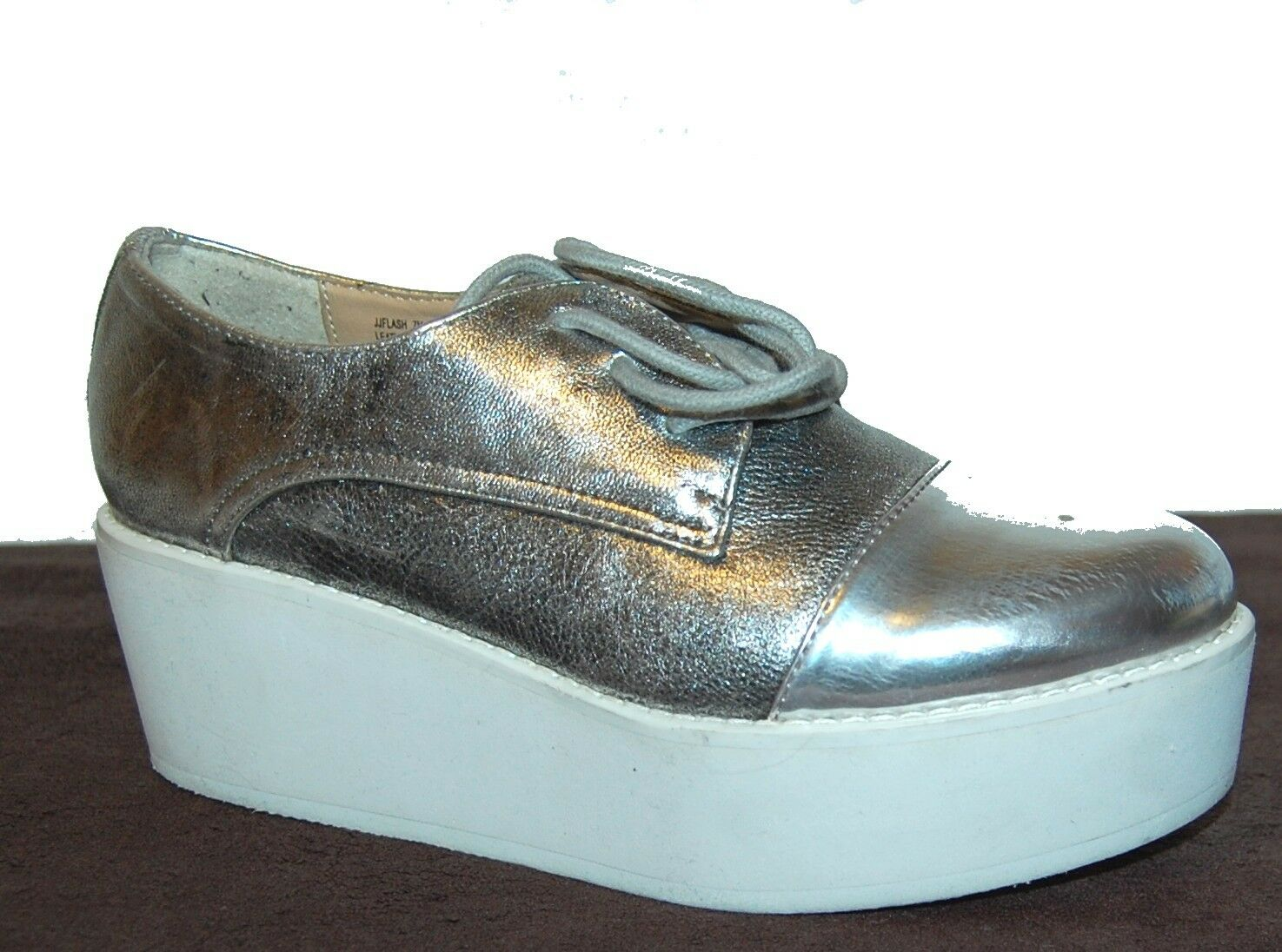 Steve Madden Woman's Silver Leather Fashion Sneackers Shoes Size US 7 Med