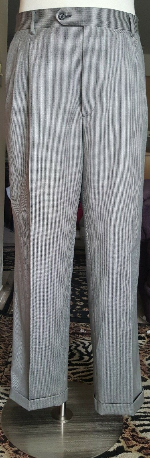Gorgeous Enzo Mantovani Mens dress pants Made in  Size 34 x 30