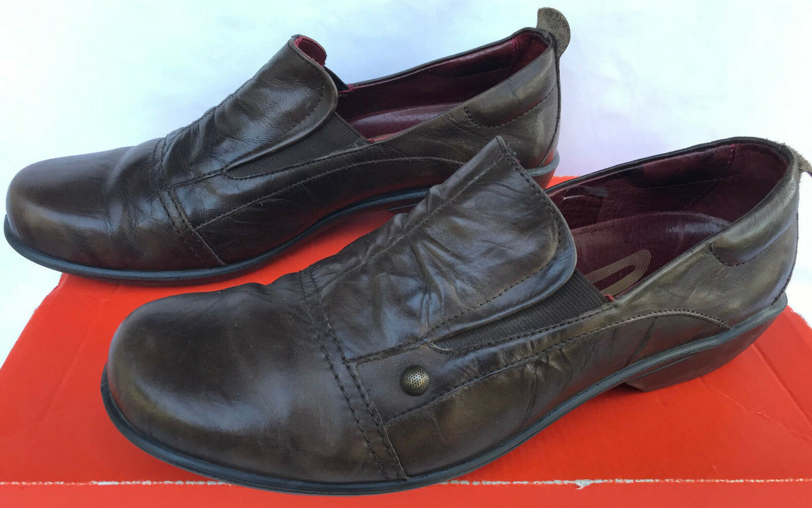 ROMIKA Cassie Wrinkled Brown Leather Slip-On Loafers shoes Women's 8.5 Eur 39