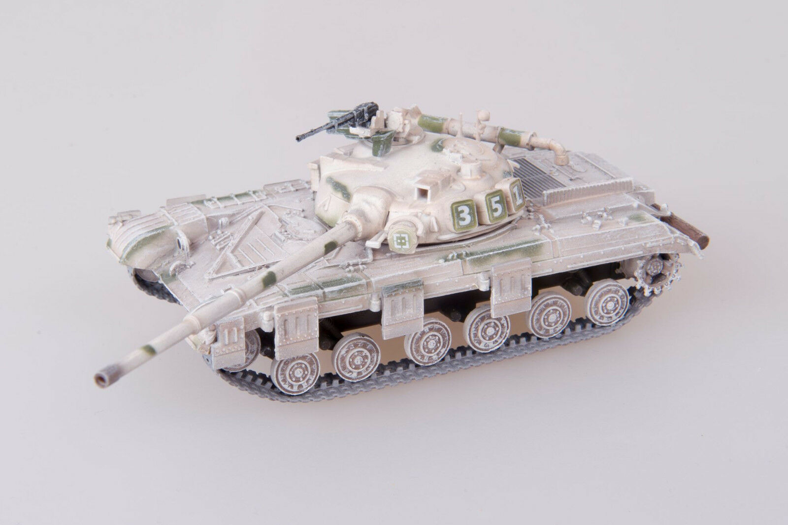 Modelcollect Soviet Army T-64 MOD 1972 1 72 Tank Winter Version Finished AS72065