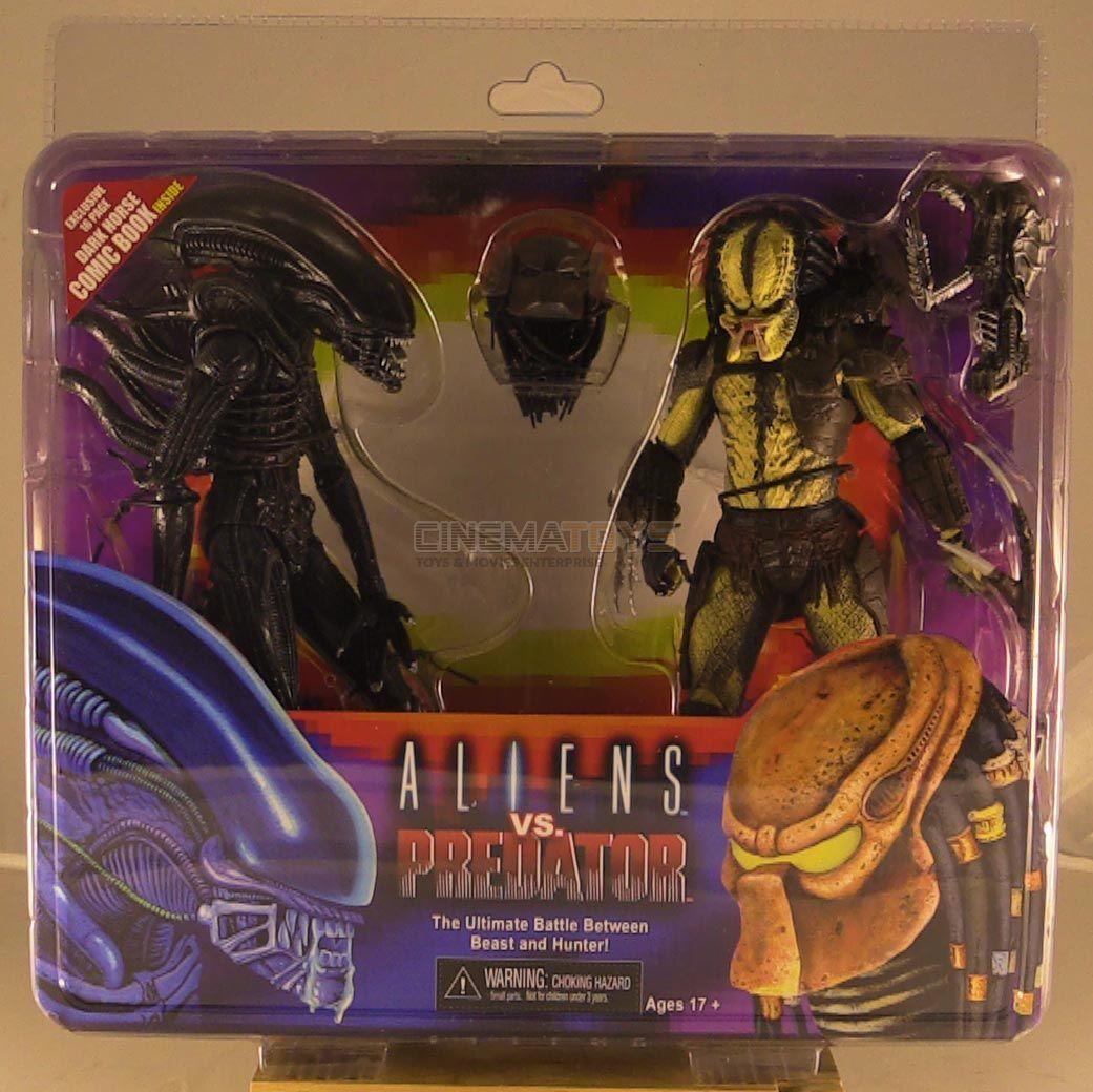 Aliens vs. Protators Action Figures 2 Pack with Mini Comic Book Alien & Protator