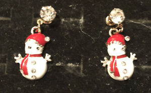 Betsey-Johnson-Snowman-Earrings-Crystal-Rhinestone-Enamel-Post