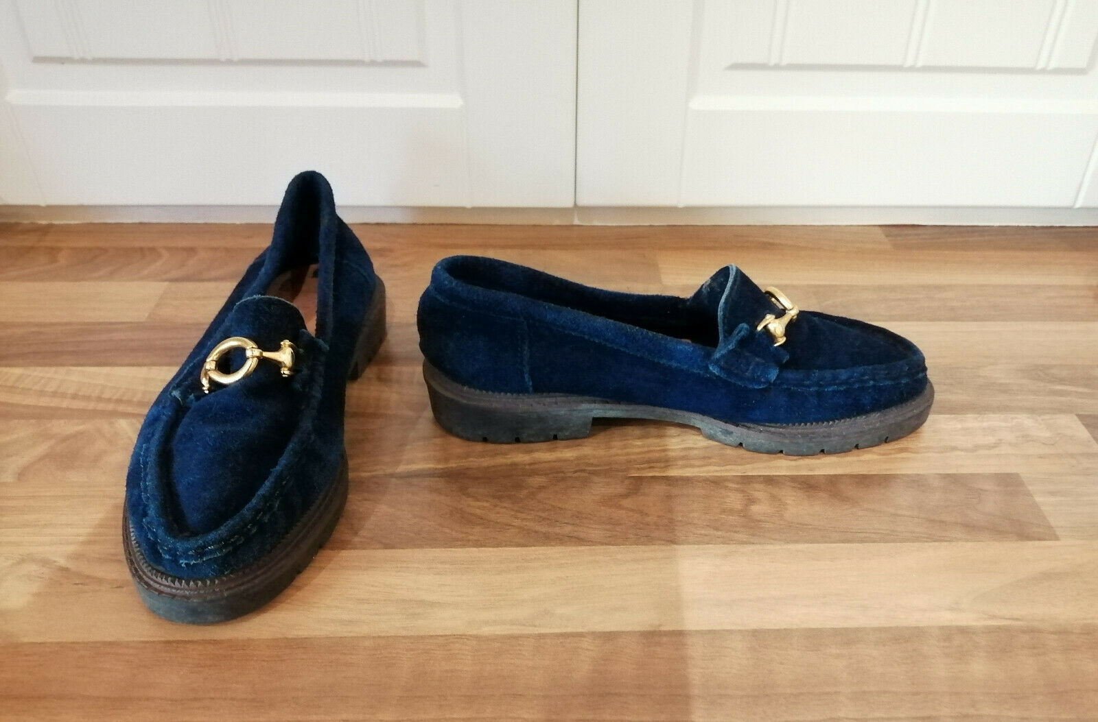 ladies size 3 (36) blue loafers with gold bar detail & rubber soles