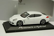 Minichamps 1/43 - Porsche Panamera E Hybrid White