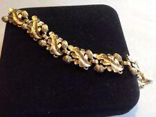 """Vintage Crown Trifari Leaf Acorn Link Bracelet 7"""" Gold Tone Figural"""