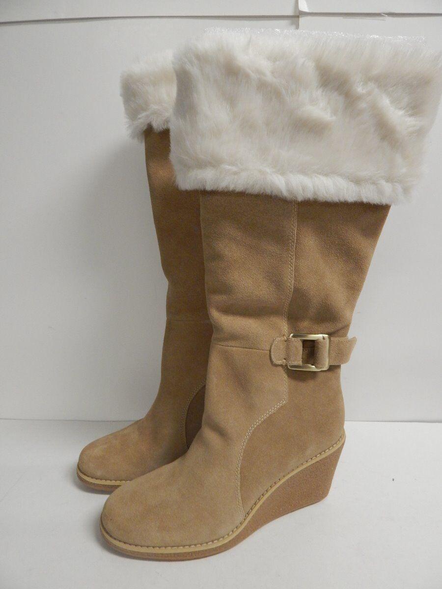 Tahari Jenny Wedge Heel Heel Heel Knee High Stiefel 8.5 M Camel Suede  New/Floor Sample 8d89c6