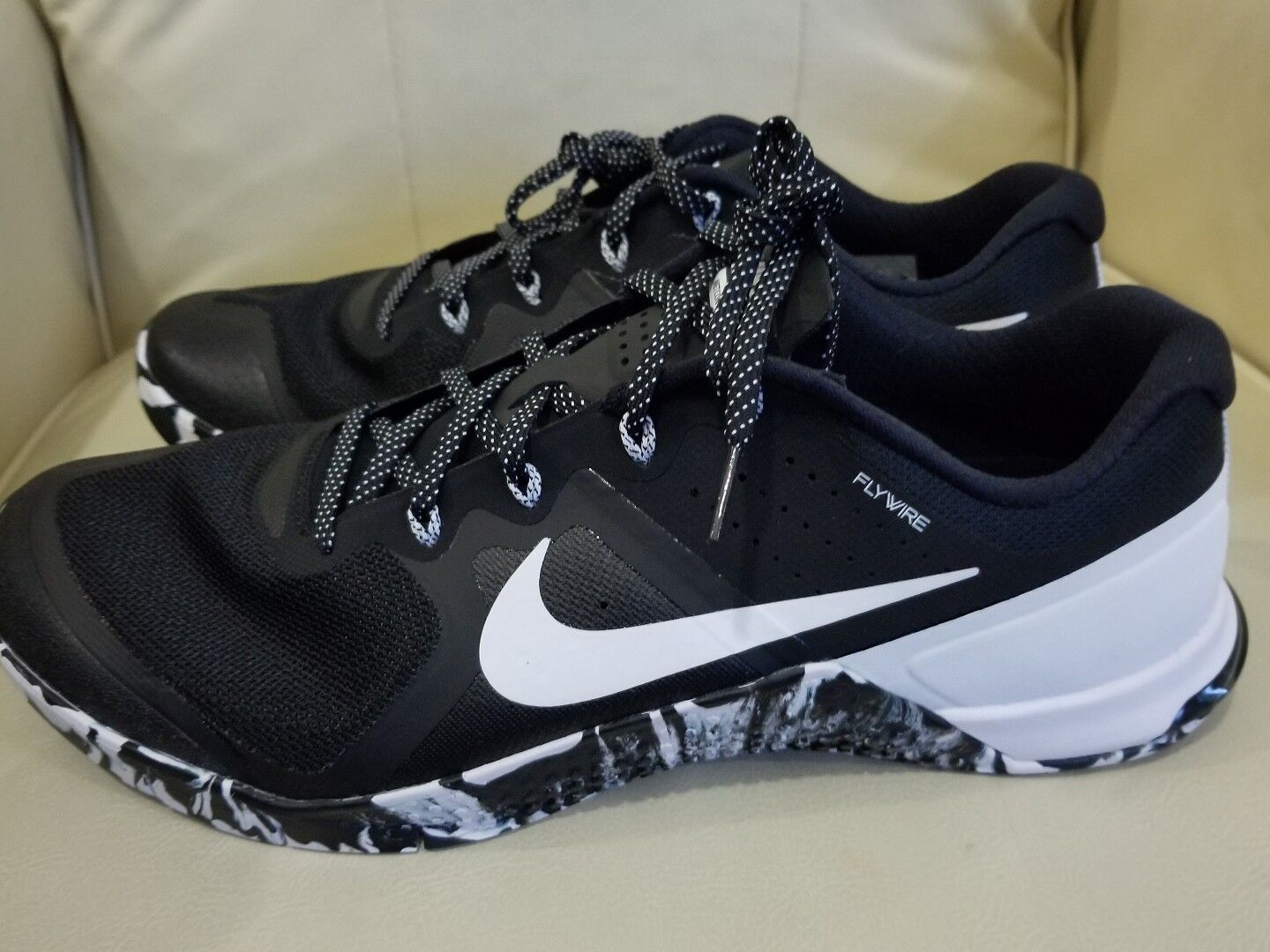 Wild casual shoes Nike Mens Metcon 2 819899-010 Comfortable