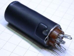 Schermo-per-valvola-7-pin-con-dissipatore-e-zoccolo