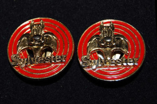 1992 Warner Bros Looney Tunes Sylvester Cat Red Enamel & Gold Tone Clip Earrings
