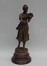 Ernest Rancoulet - Junge Frau mit Henkelkrug  Skulptur , um 1900   Höhe 43,5 cm