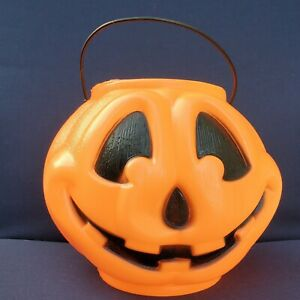 Vintage-Plastic-BLOW-MOLD-Pumpkin-Trick-Or-Treat-Candy-Bucket-w-Toothless-Grin
