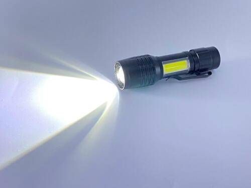 DEL Lampe de poche Zoom à nouveau Chargeable Lithium Battery Rechargeable Flashlight