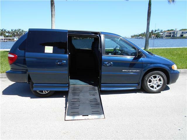 2001 Dodge Grand Caravan HANDICAP POWER WHEELCHAIR RAMP LOW 76K MILES!