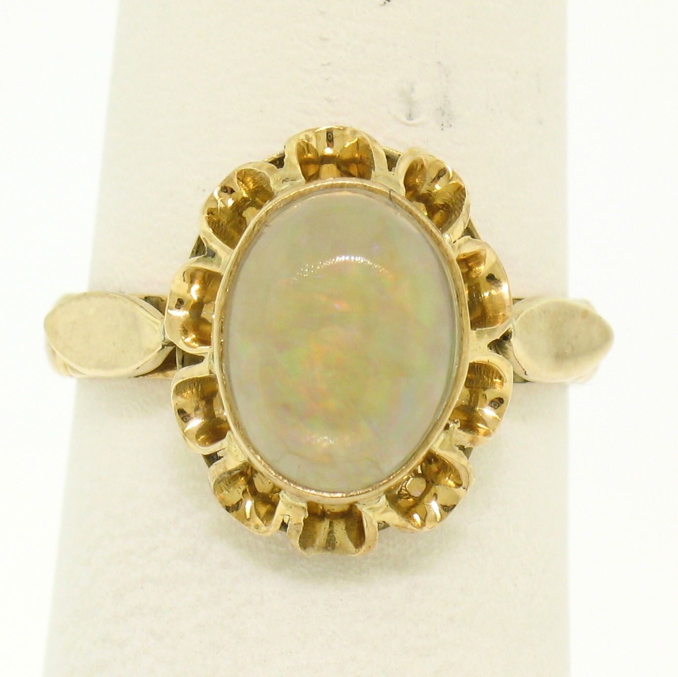 Estate Vintage 14k Yellow gold 1.50ct Oval Cabochon Opal Bezel Solitaire Ring