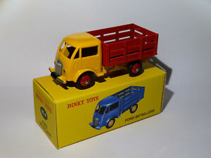 Ford-cattle-trailer-ref-25a-25-a-dinky-toys-atlas