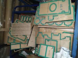 tante-fustelle-di-vari-formati-per-varie-forme-di-scatole-da-stampa-tipografia
