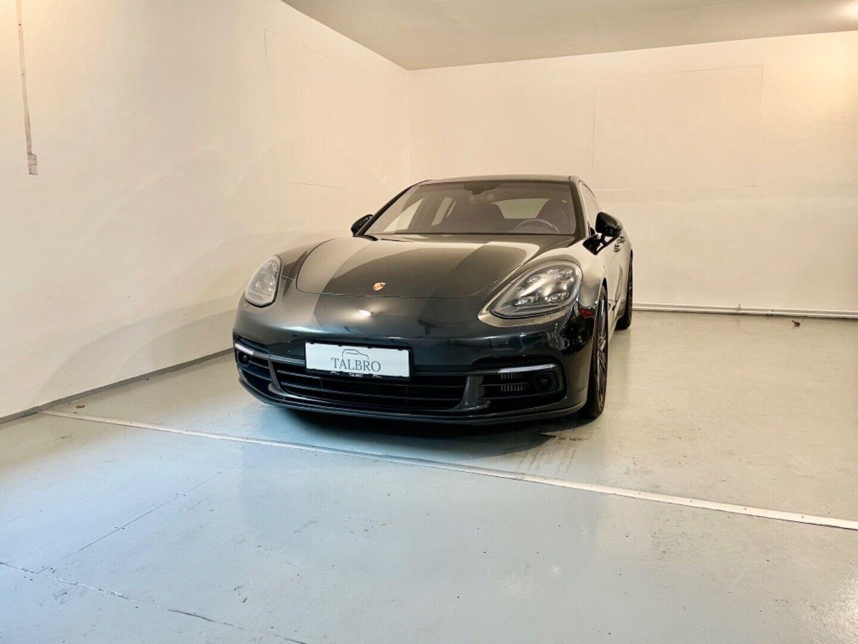 Porsche – Panamera 4S