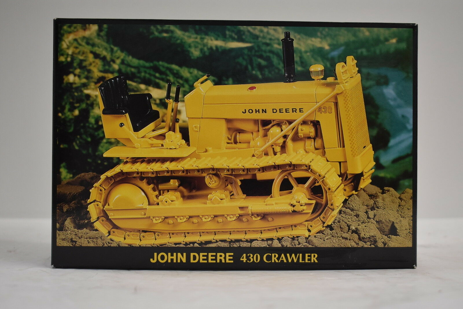 1 16 John Deere 430 Crawler New in Box by Ertl industrial yellow