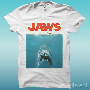 T-SHIRT-JAWS-SHARK-FILM-SQUALO-COVER-BIANCO-THE-HAPPINESS-IS-HAVE-MY-T-SHIRT-NEW