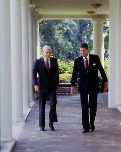President-Ronald-Reagan-outside-White-House-with-Senator-John-McCain-Photo-Print