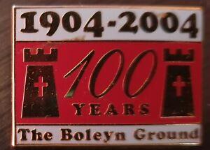 WEST HAM UNITED BOLEYN GROUND ENAMEL BADGE
