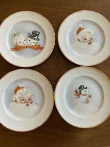 VIntage-Set-Of-4-MCM-Santa-Claus-And-Snowmen-Christmas-Plates-Preowned