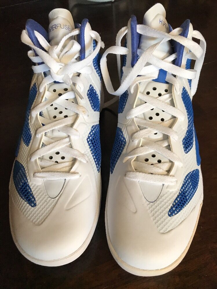 Nike Zoom Hyper Fuse Size 10.5 White And bluee