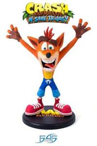 Crash-Bandicoot-N-Sane-Trilogy-PVC-Statue-Crash-Bandicoot-23-cm-NEU-amp-OVP