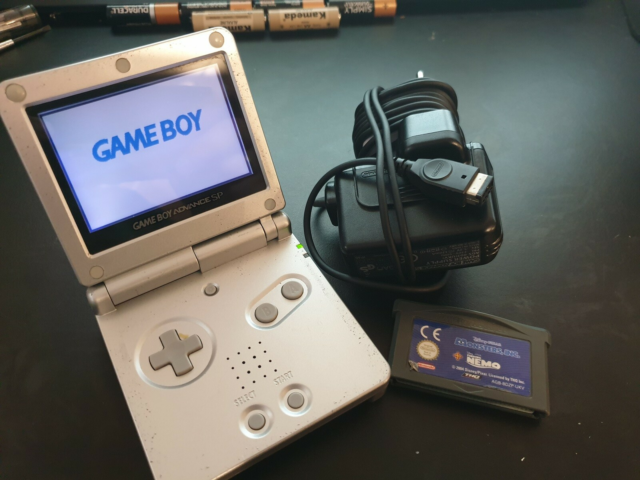Nintendo Gameboy advance SP, God, Sælger min Nintendo…