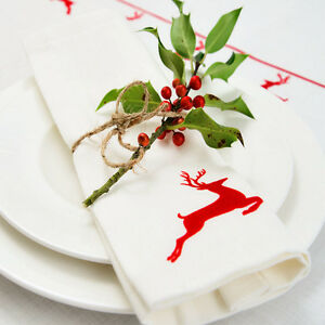 Luxurious-Designer-Christmas-Napkins-100-Cotton-Made-In-UK-Vintage-Red-Stag