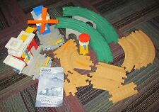 FISHER PRICE GEO TRAX WORKIN' TOWN RAILWAY PLAYSET LOT, TRACK,BLDINGS, NO TRAINS