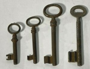 Set-of-4-Vintage-SKELETON-KEYS