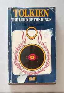 Lord-of-the-Rings-The-Two-Towers-by-J-R-R-Tolkien-Unwin-Paperbacks-used-1979