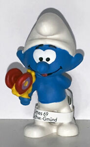 NEW-Smurf-with-Butterfly-20818-Year-2020-Smurfs-2-inch-Figurine-Plastic-Figure