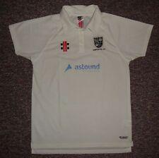 Hampton Hill Cricket Club (ENG) / GRAY-NICOLLS - MENS Shirt / Jersey. Size: L
