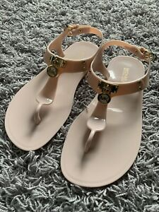 MICHAEL-KORS-Women-039-s-Beige-Flat-Jelly-Sandals-MK-Gold-Logo-Size-7-New