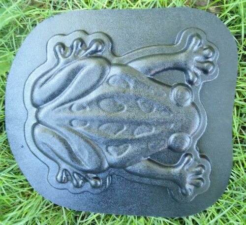 "Frog stepping stone mold 14/"" x 12/"" x 1/"" thick reusable casting mould"
