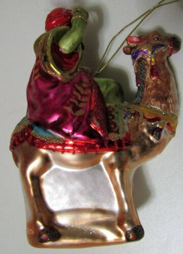 Suspension blown glass king mage with camel no137
