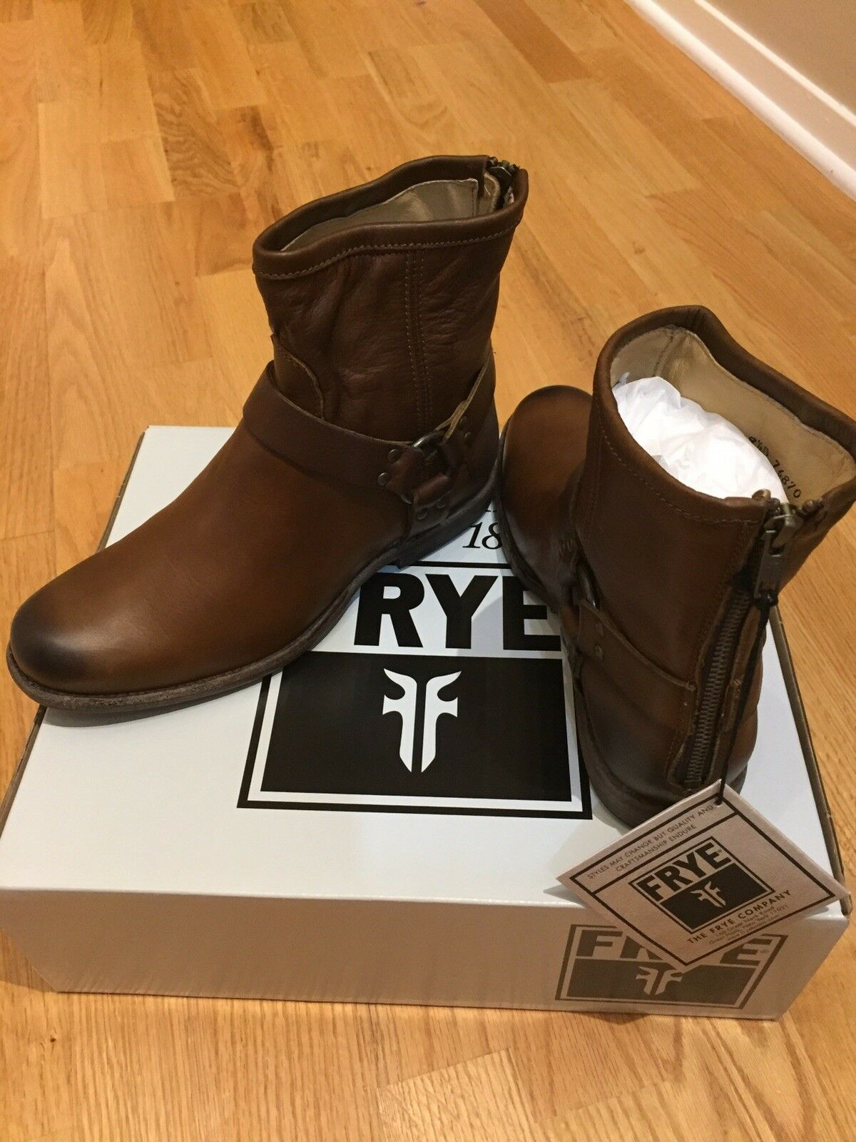 FRYE Philips Womens Size 9.5 Tan Brown Leather boots
