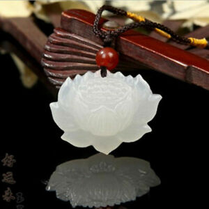Chinese-Natural-Beautiful-White-HeTian-Jade-Pendant-Hand-carved