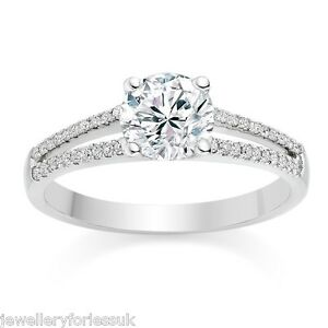 18Carat-White-Gold-Split-Shank-4-Claw-Diamond-Shoulders-Engagement-Ring-0-35cts