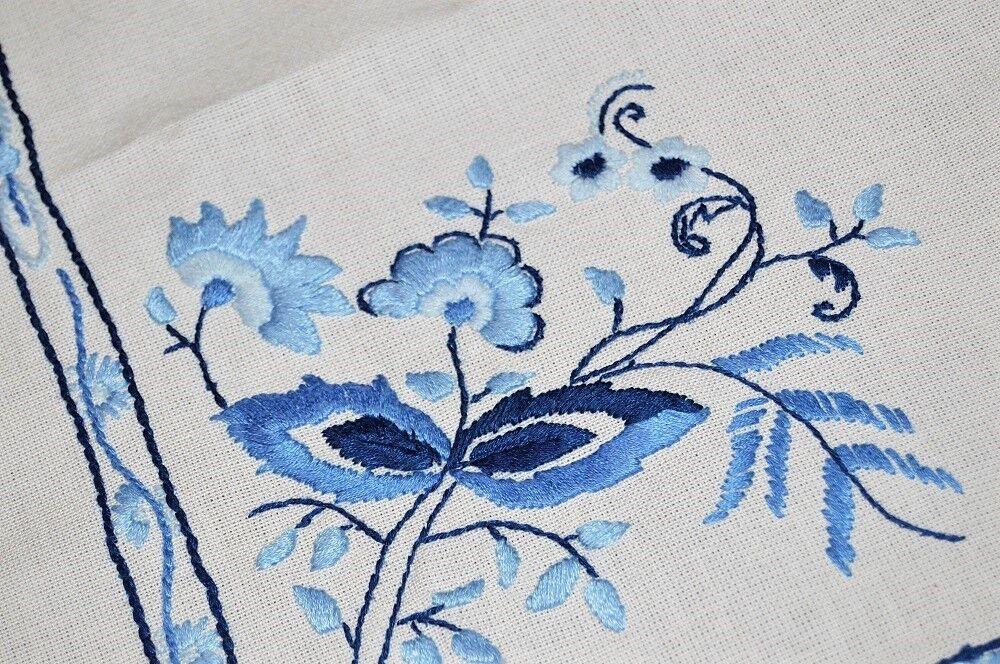 La qualité artistique de l'oignon bleu  Vintage allemand main EMB Nappe Zwiebelmuster