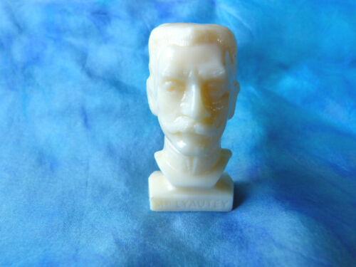 Figurine publicitaire Total - Bustes Gloires de la république : Mal. Lyautey