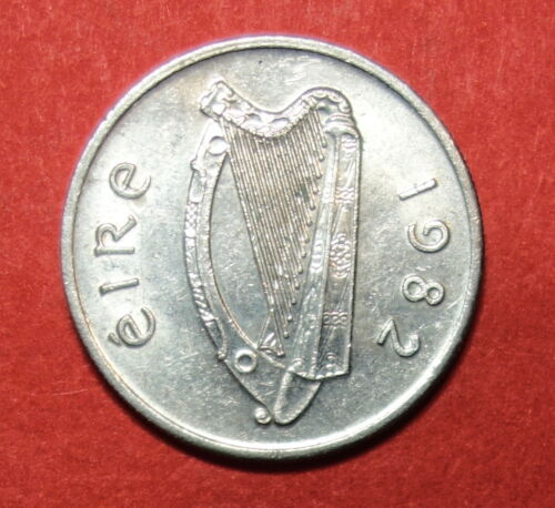 IRISH  FIVE PENCE 1982 UNC IRELAND