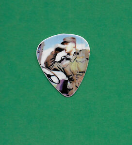 Elvis-Presley-guitar-pick-graphic-33