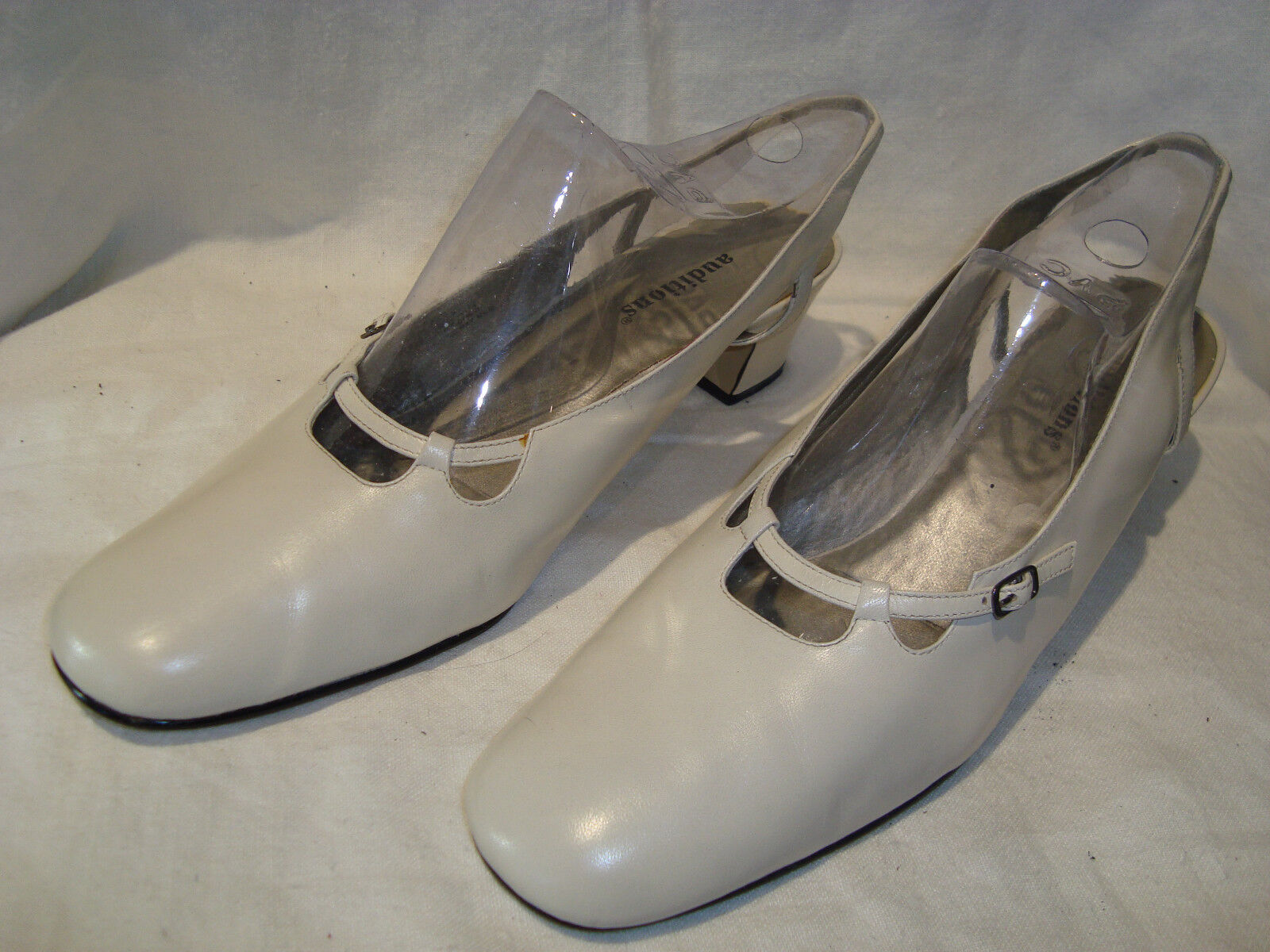 Auditions Women's Bone Leather 2