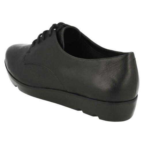 para británicas Zapatos Fitting Evie mujer 8 Tallas Bow negros Clarks Clarks cuero 3 D de de xxwRqFzCpI